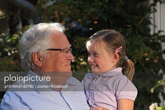 Proudly grandfather - p1016m2142760 by Jochen Knobloch