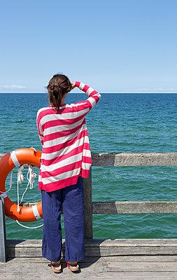 Blick auf Meer - p454m1056206 von Lubitz + Dorner