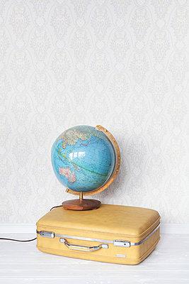 Um die ganze Welt  - p454m1143717 von Lubitz + Dorner