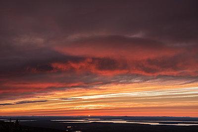 Sonnenuntergang - p954m1171361 von Heidi Mayer