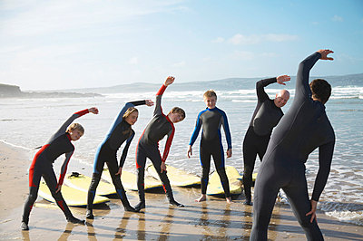 Surfing class - p6690179 by Jutta Klee photography