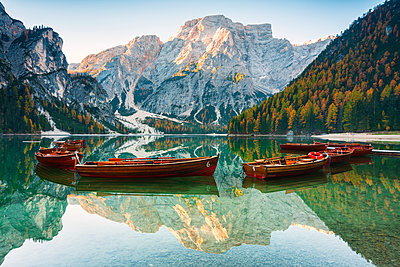 Alpine lake of Braies (Pragser Wildsee) in Trentino Alto Adige-South Tyrol, at dawn, Bolzano province, Dolomites, Italy - p871m2069194 by Michele Rossetti