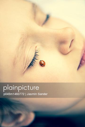 p045m1460772 by Jasmin Sander