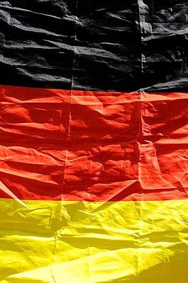 Deutschlandfahne - p949m658135 von Frauke Schumann