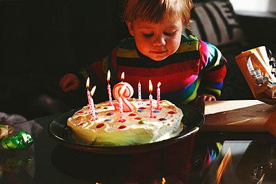 Zweiter Geburtstag - p972m1056477 von Felix Odell