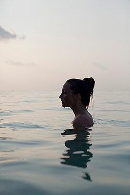 Swimming - p801m764303 by Robert Pola