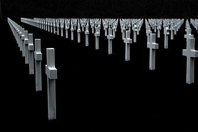 Amerikanischer Soldatenfriedhof am Omaha Beach - p415m822862 von Tanja Luther