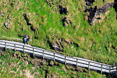 Pause machen, Tintagell, Cornwall - p977m934748 von Sandrine Pic