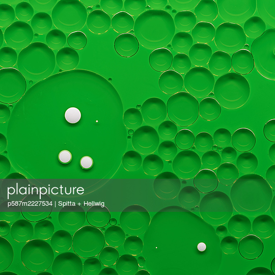 Bubbles on green - p587m2227534 by Spitta + Hellwig
