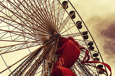 Big wheel - p1245m1043417 by Catherine Minala