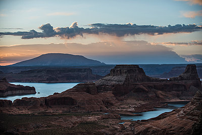 Idyllic view of storm clouds raining over Grand Staircase-Escalante National Monument - p1166m1489814 by Cavan Images