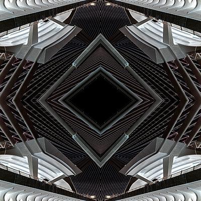 Abstract kaleidoscope pattern Liège-Guillemins station in Liège - p401m2207488 by Frank Baquet