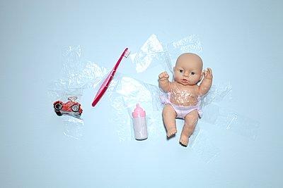 Kinderspielzeug - p237m1123731 von Thordis Rüggeberg