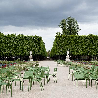 Jardin des Tuileries 2 - p1138m1129016 by Stéphanie Foäche