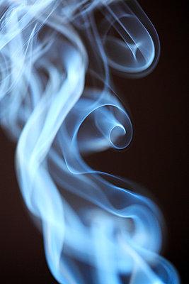 Rauchformen - p179m741604 von Roland Schneider
