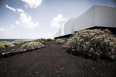 Buildings by the sea - p1598m2164166 by zweiff Florian Bier