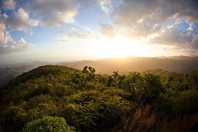 Escambray Gebirge, Kuba  - p3227320 von Simo Vunneli