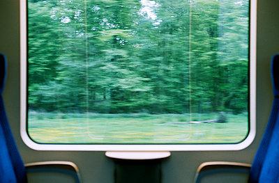 Fensterblick - p1210m1487871 von Ono Ludwig