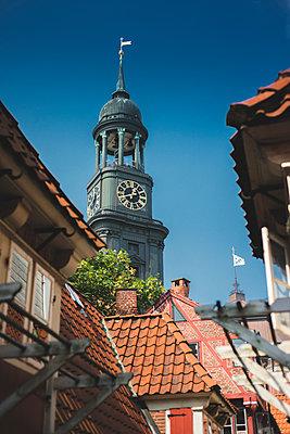 Blick auf Michel von den Krameramtsstuben, Hamburg I - p1493m1584670 von Alexander Mertsch