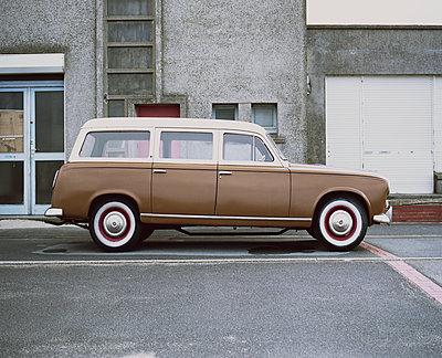 Dunkerque, Vintage car - p1083m1069514 by Alain Greloud
