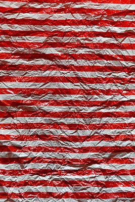Wrinkled paper - p1235m1538148 by Karoliina Norontaus