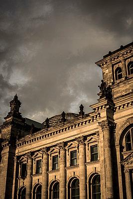 Reichstag - p975m1129010 von Hayden Verry