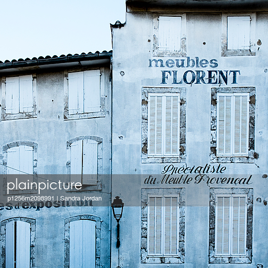 Meubles Florent - p1256m2098991 by Sandra Jordan