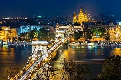 View of the illuminated Széchenyi Chain Bridge - p1332m1502320 by Tamboly