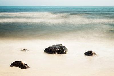 Steine am Strand - p1574m2204728 von manuela deigert
