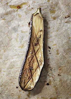 Gebackene Aubergine - p922m2071548 von Juliette Chretien