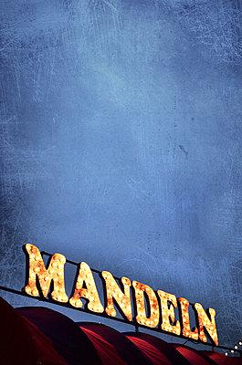 Mandeln - p1073m853263 von Benjamin Schmid