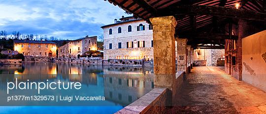 p1377m1329573 von Luigi Vaccarella