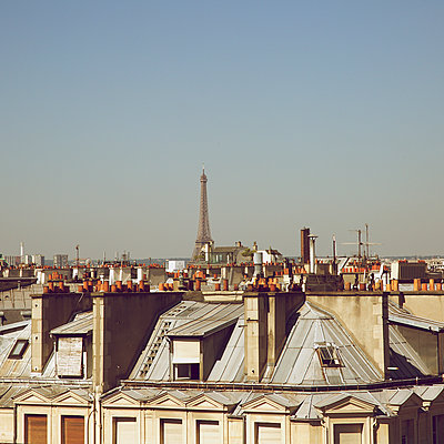 Über den Dächern von Paris - p606m1208131 von Iris Friedrich
