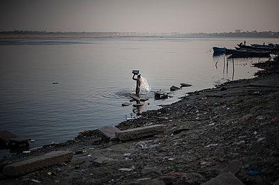 Varanasi - p1007m1060024 by Tilby Vattard