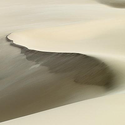 Dünenlandschaft in der Weißen Wüste - p1353m1201760 von Federico Naef