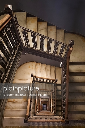 Treppenhaus im Nomad Hotel - p1399m1573922 von Daniel Hischer