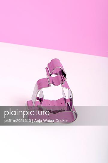 p451m2021310 by Anja Weber-Decker
