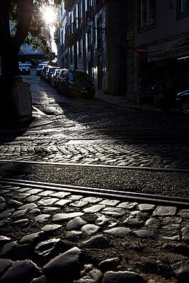 Abendsonne in Lissabon - p1272m1154346 von Steffen Scheyhing