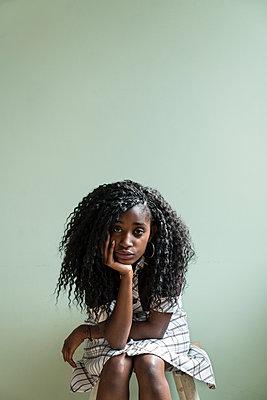 Junge Afrikanerin - p427m1591934 von R. Mohr