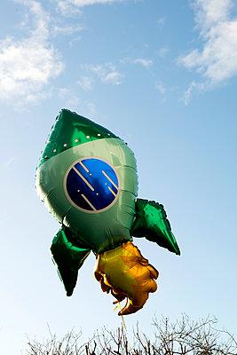 Helium balloon, Rocket - p451m2158802 by Anja Weber-Decker