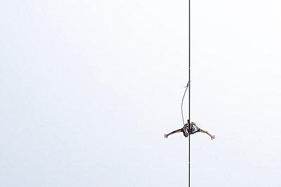 High-wire performer - p966m668666 by Tobias Leipnitz