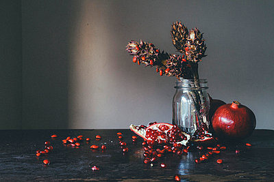 Still Life Pomegranate - p1262m1063990 by Maryanne Gobble