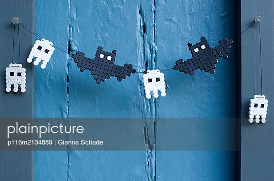 Halloween Dekoration - p116m2134889 von Gianna Schade
