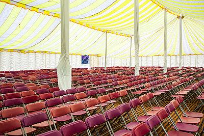 Publikum wird erwartet - p1057m916820 von Stephen Shepherd