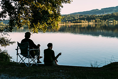 Entspannung am See - p1085m1042856 von David Carreno Hansen