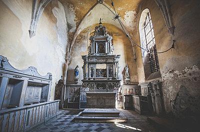 Abandoned Church - p1512m2037952 von Katrin Frohns
