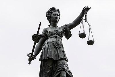 Justitia - p417m2134221 von Pat Meise