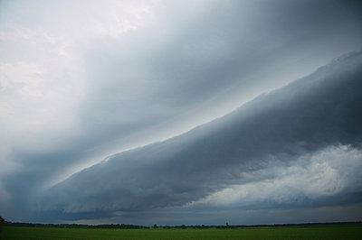 Sturm rollt an - p1169m956010 von Tytia Habing