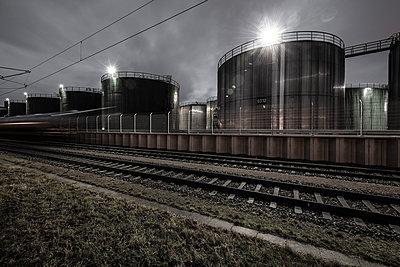 Oil tanks - p710m2054451 by JH