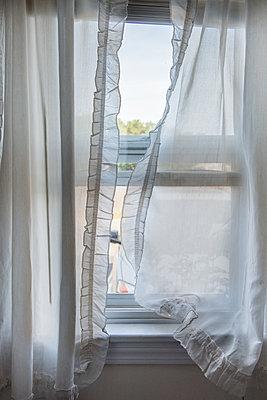 Vorhang - p954m1171310 von Heidi Mayer